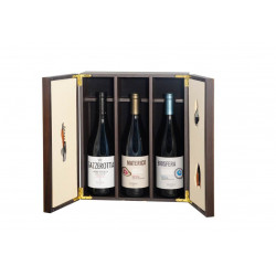Gift Box - Elegant wooden box with precious Sommelier accessories - Sicily and the Organic Wines of Pellegrino
